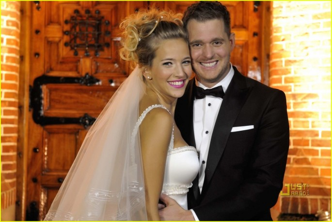 michael-buble-luisana-lopilato-wedding-celebration-01